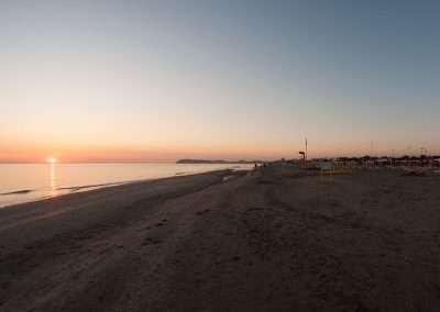 Spiaggia 54 Riccione - Alba-e-monte-di-Gabicce