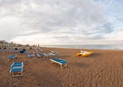 Spiaggia 54 Riccione - Skyline dalla battigia.