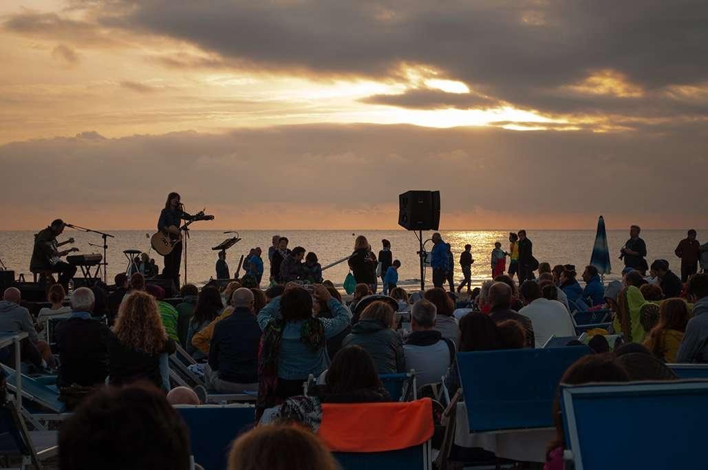 Alba sulla battigia della spiaggia 54 Riccione - alba